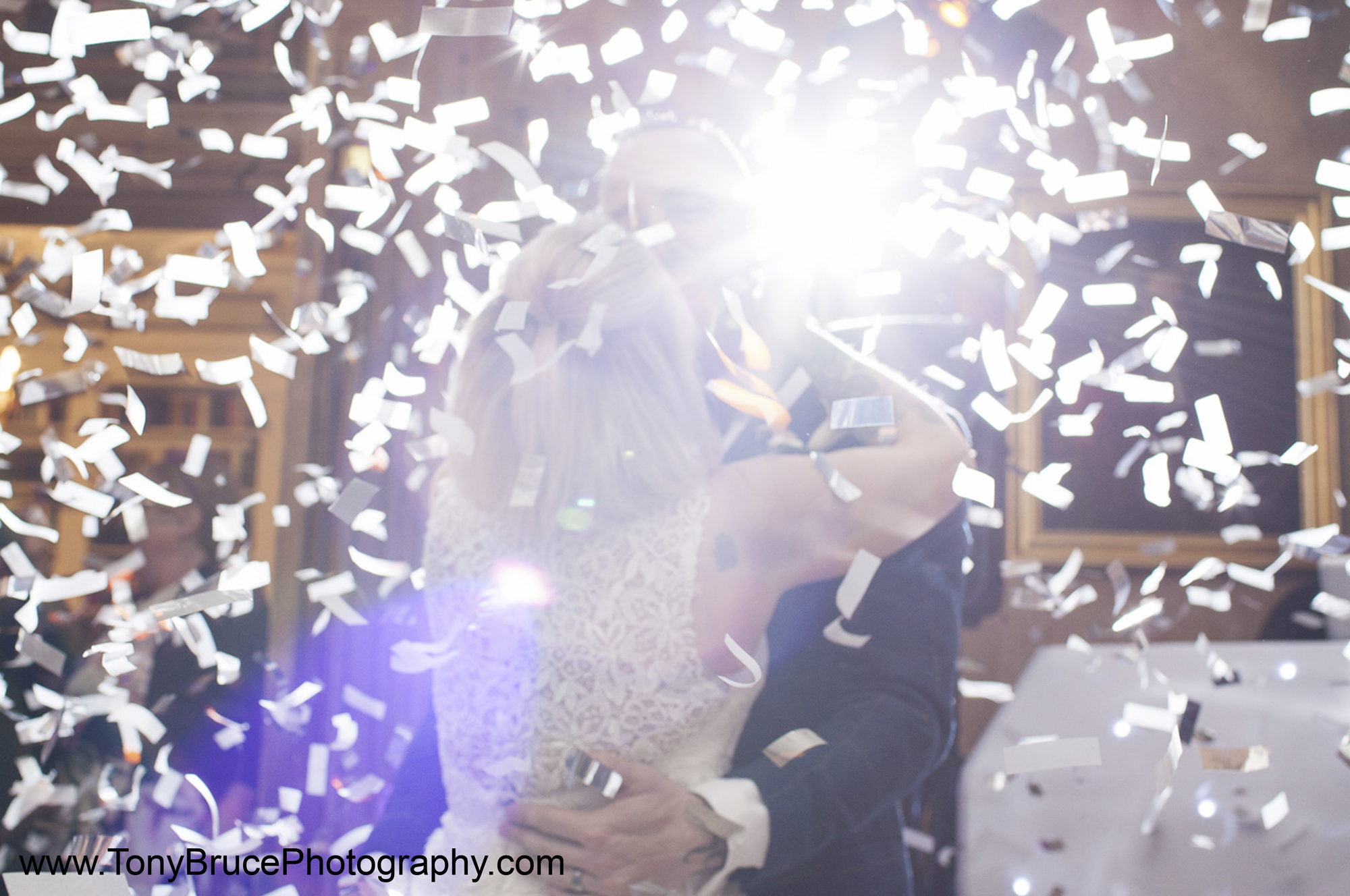 Cambridge Wedding Services - Confetti Dance